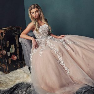 Dallas Prom 2018 – Vanity Fair Group Photos with Friends