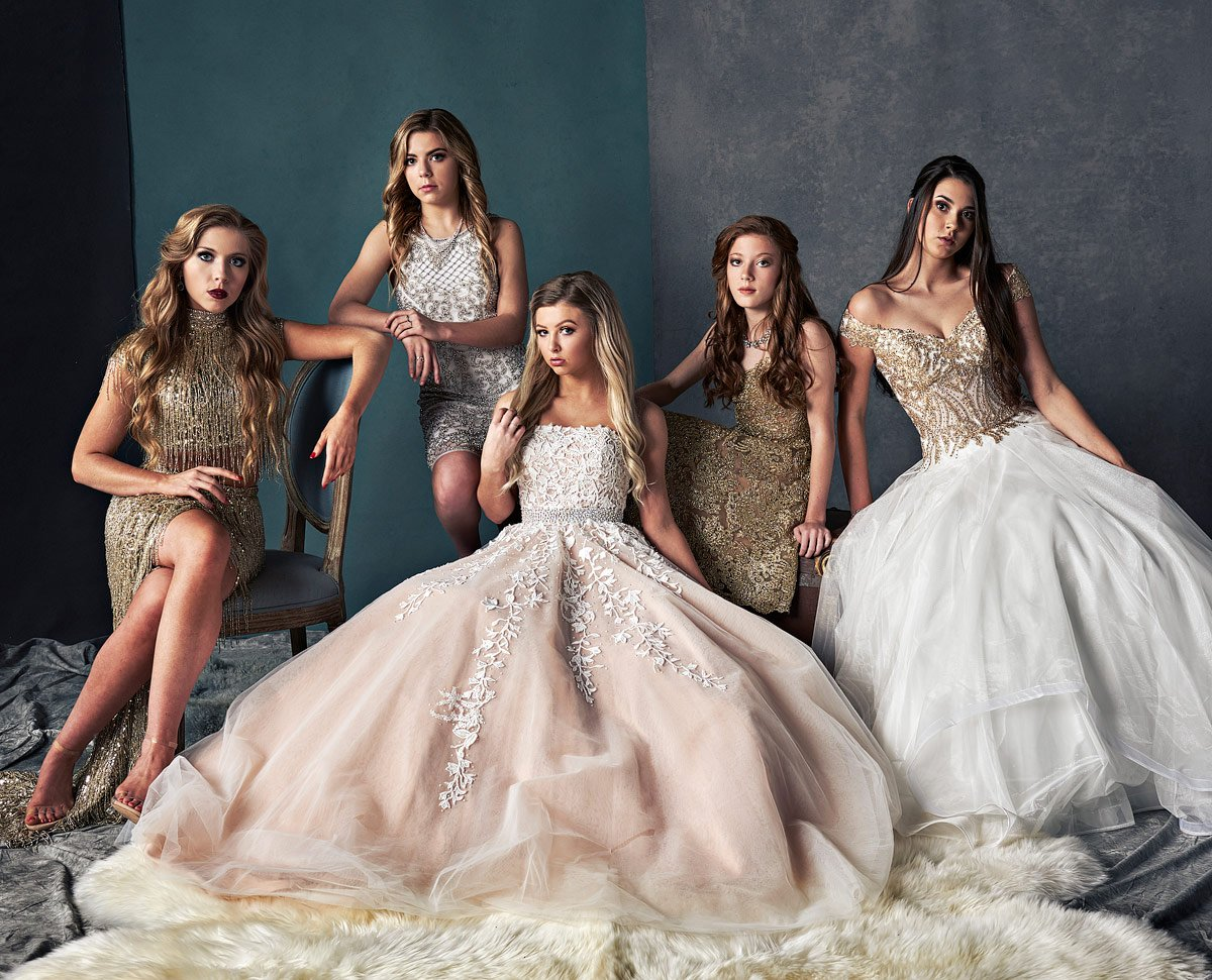 Dallas group photos of girls in sherri hill gowns in studio photos