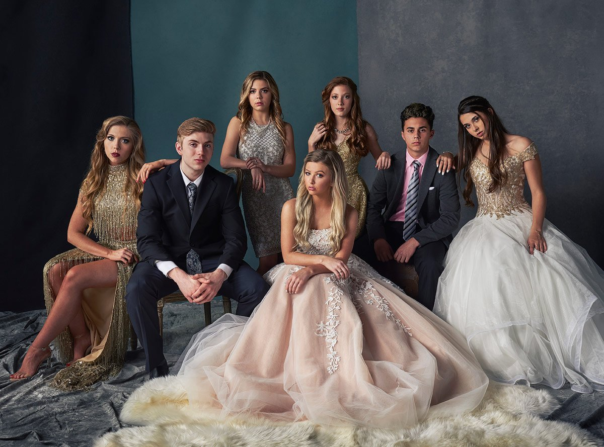 prom dates pose for group photo for vanity fair prom photos dallas