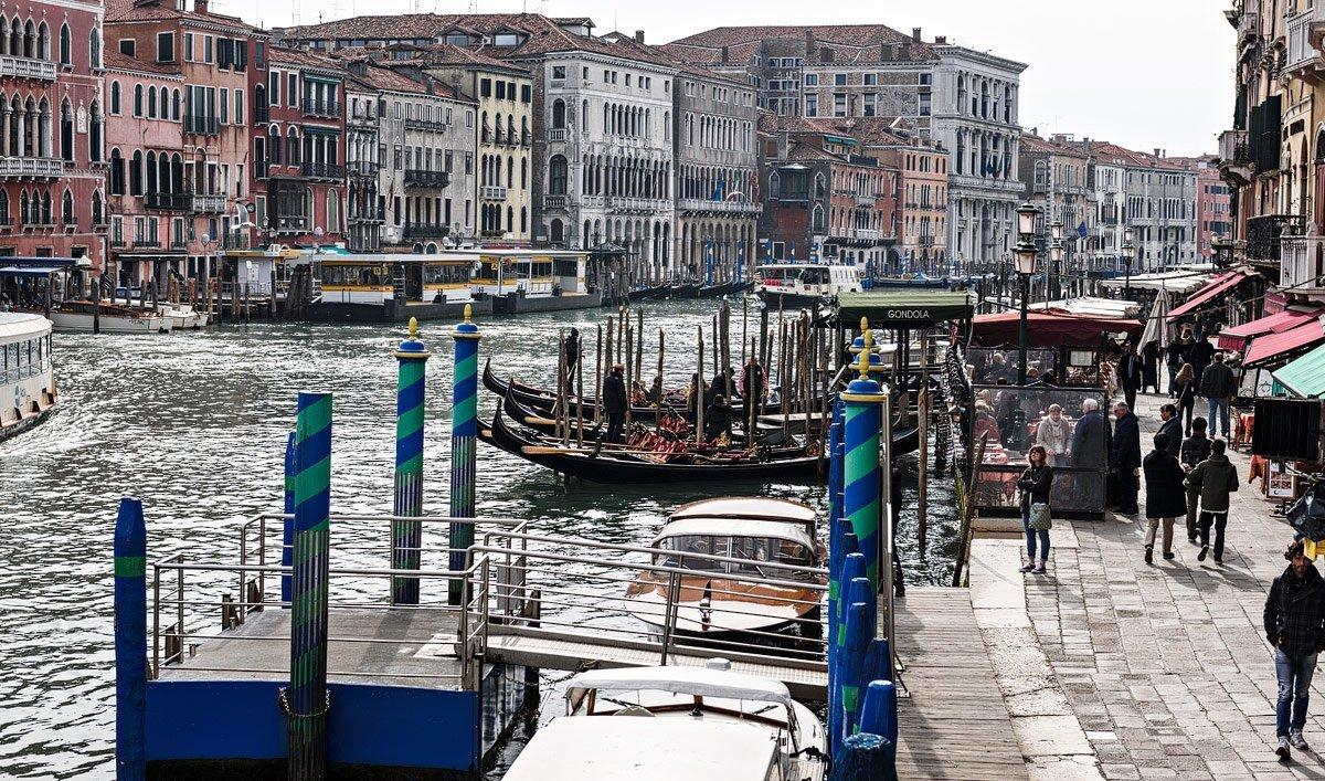 gondola in grand canal from the Rialto bridge