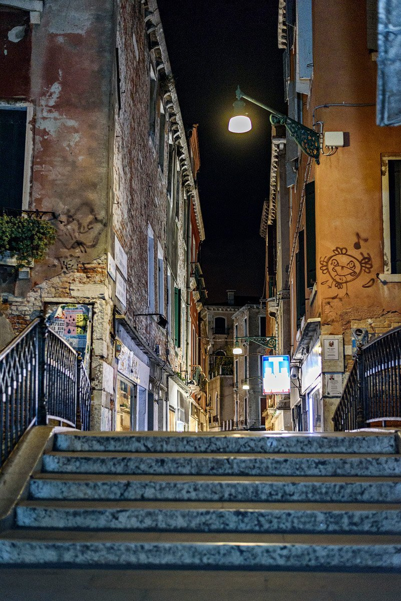 venice italy at night of stairs and empty streets