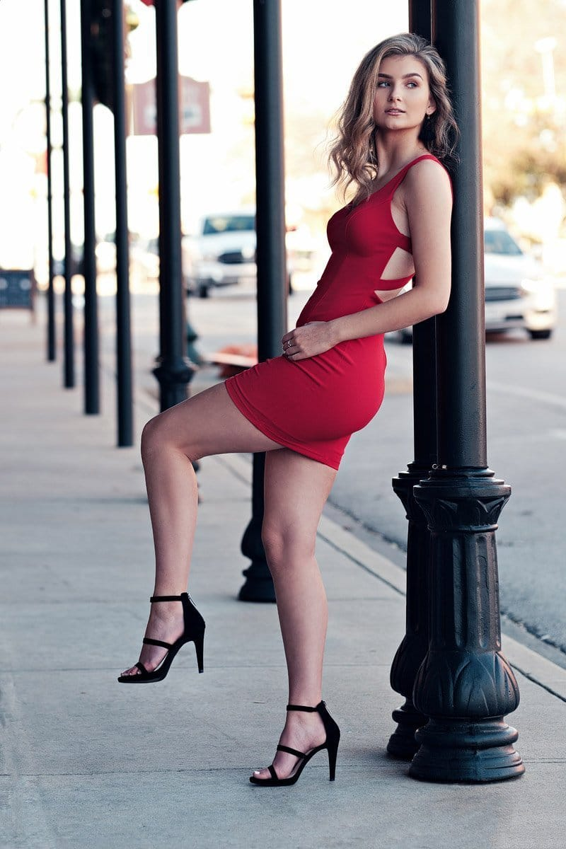 denton guyer senior photos fashion inspired in red dress